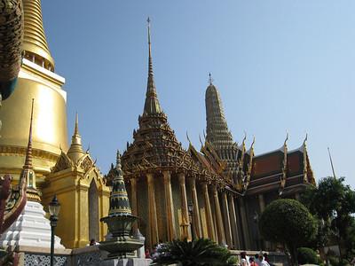 Phra Mondop (library)