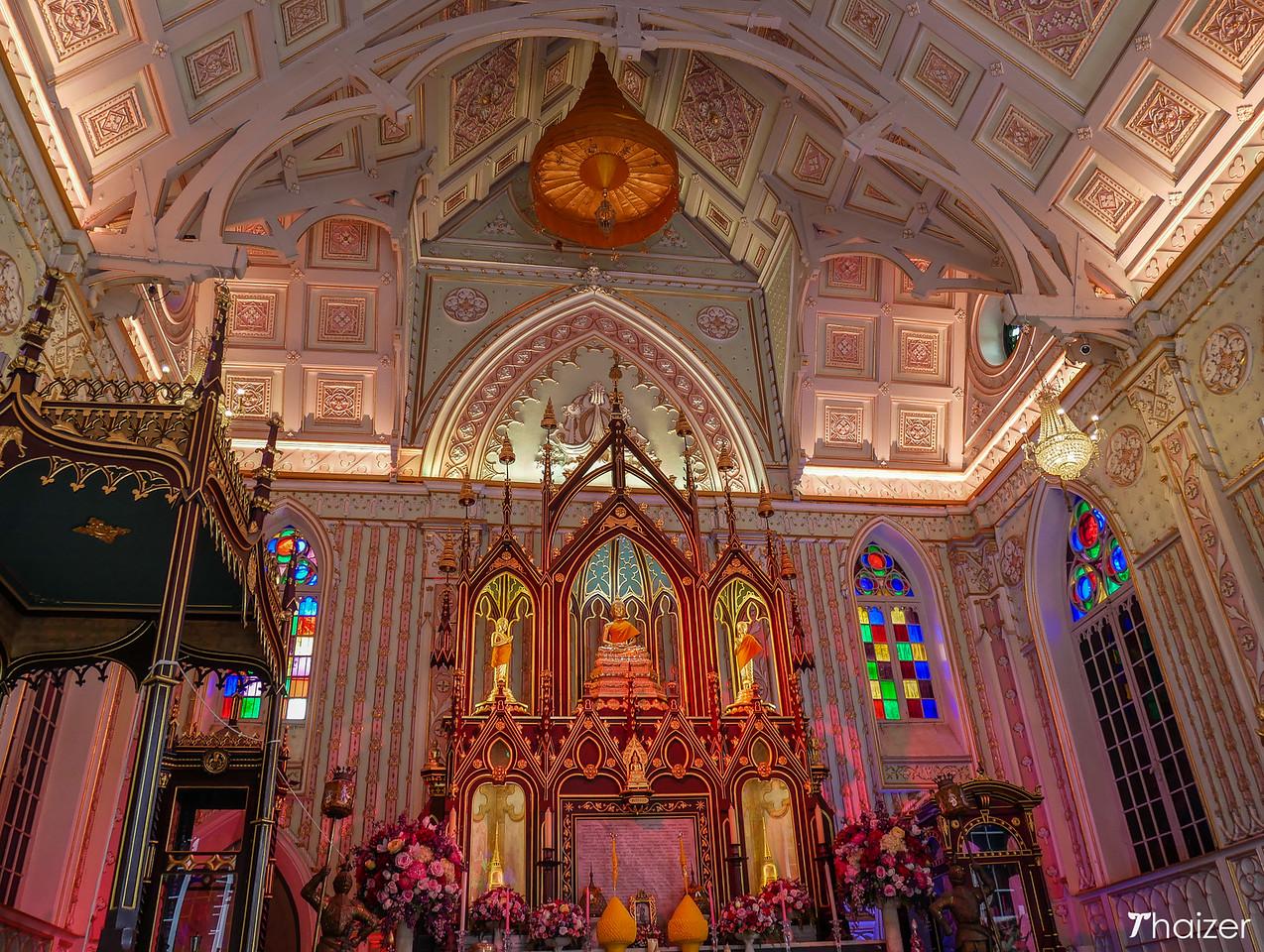 inside Wat Niwet Thamprawat, Ayutthaya