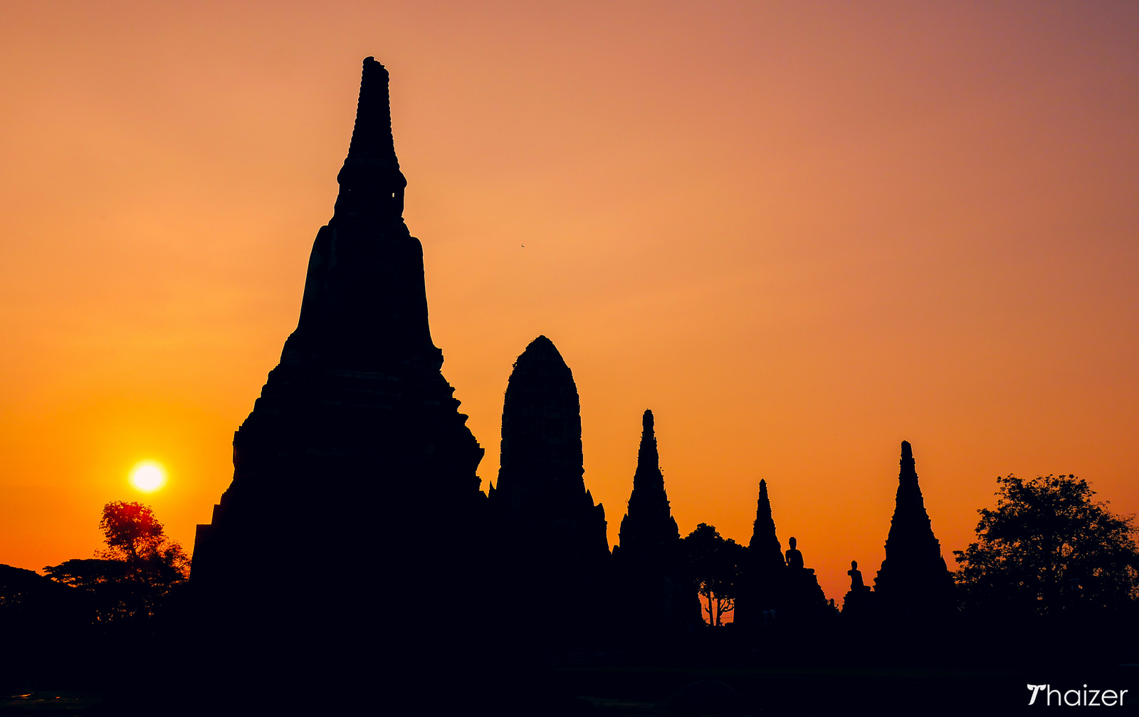 sunset at Wat Chaiwatthanaram, Ayutthaya