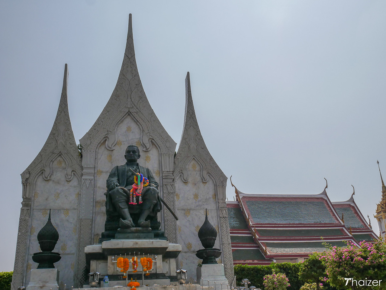 statue of King Rama III of Thailand