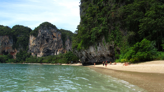 Tonsai Bay near Railay Beach © Mark Wiens