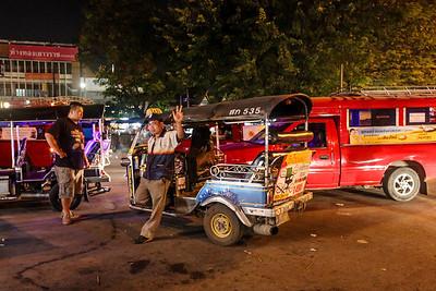 Saturday Walking Street, Chiang Mai, December 2013