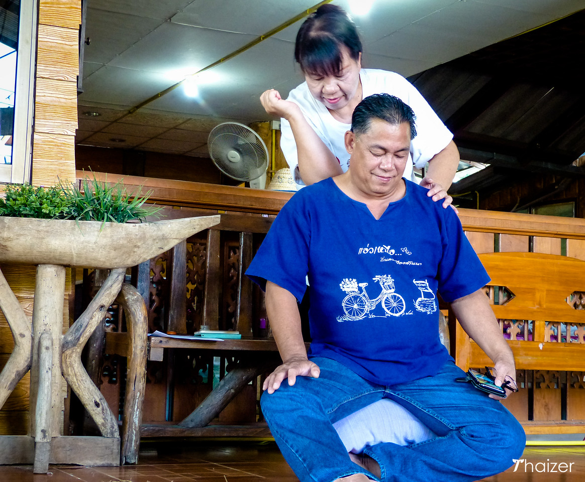 Thai massage at Ban Rai Kong Khing