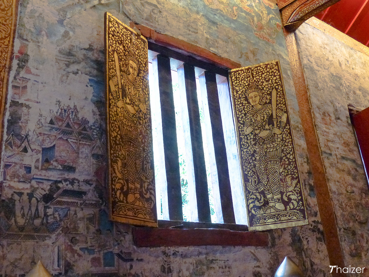 decorative windows and murals at Wat Phra Singh, Chiang Mai