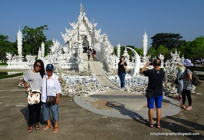 Wat Rong Khun (White Temple) with a compact camera - May 2016