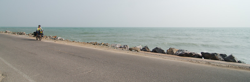 Heading south from Hua Hin we had some fantastic stretches of road along the Gulf of Thailand