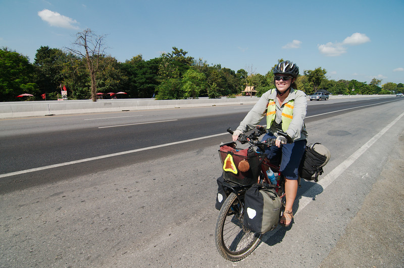 On the highway between Nakhon Sawan and Lopburi, it doesn't get any flatter!