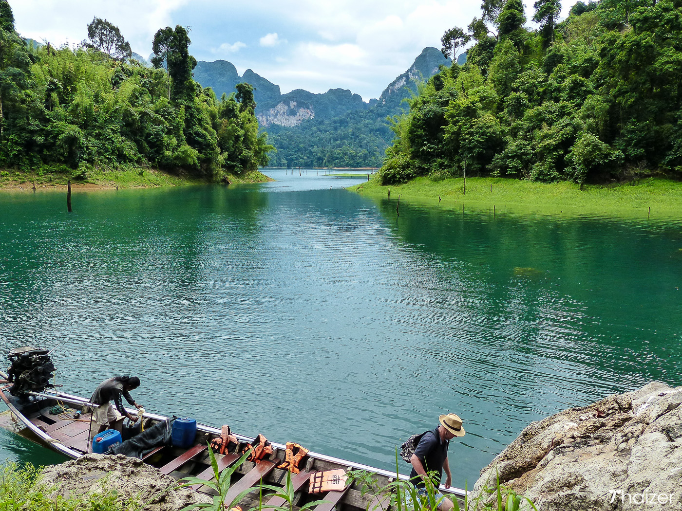 Ratchaprapa Dam and Cheow Larn Lake, Khao Sok