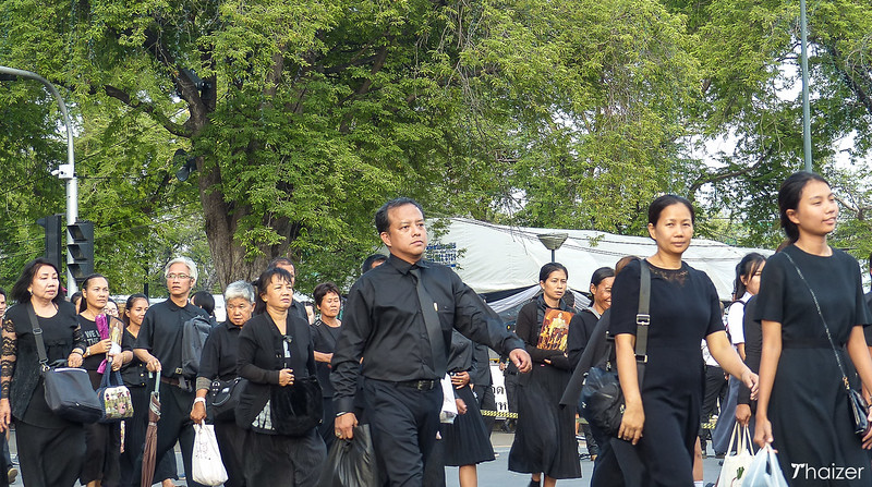 Thai mourners outside the Grand Palace in Bangkok