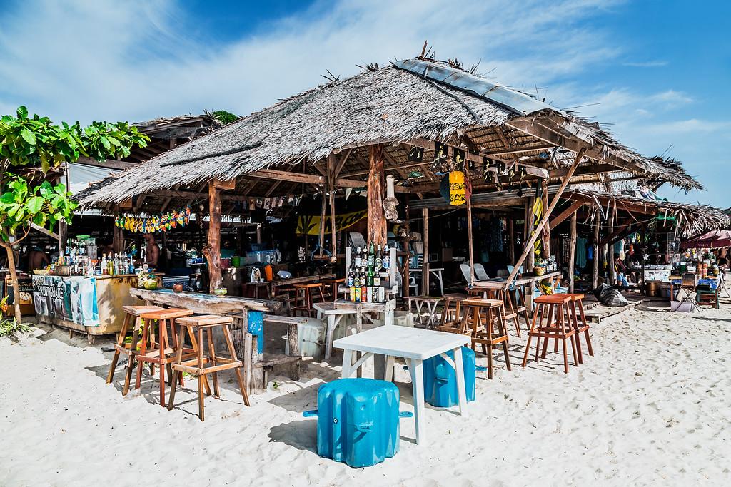 A nice little beach bar on Ko Khai Nok Island