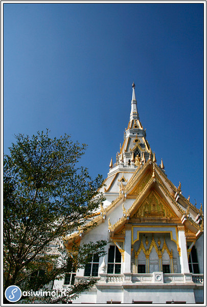 Wat Sothornwararamworaviharn (Hong Temple)