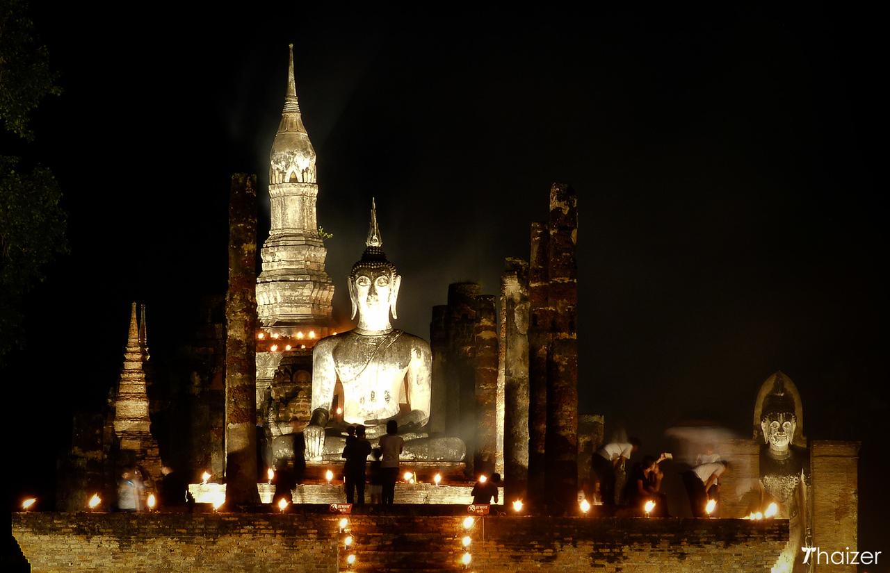 Buddha and ruins in Sukhothai