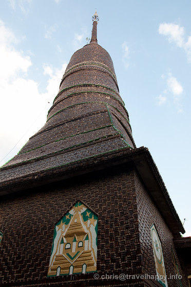 Chedi at Temple Of A Million Beer Bottles, Wat Lan Khaud, Sisaket