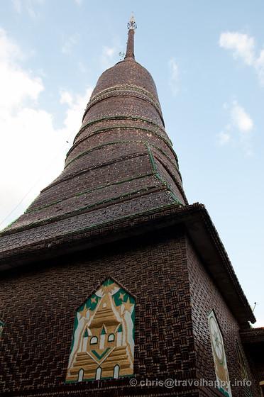Chedi at Temple Of A Million Beer Bottles, Wat Lan Khaud, Sisaket