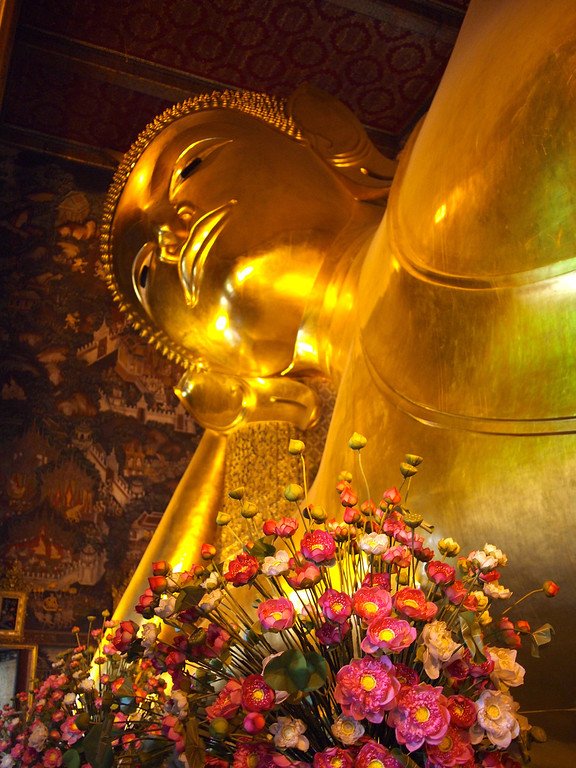 Wat Pho with Flowers