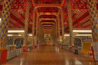 Wat Suan Dok Interior