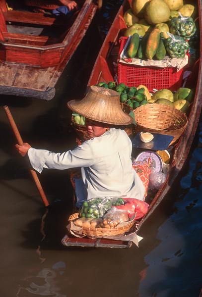 Floating market , Damnoen Saduak, Thailand