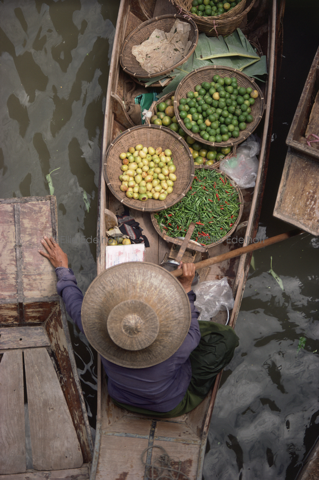 Hot and Sour Floating Market – Thailand