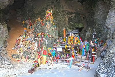 Princess Cave at Het Tham Phra Nang (HDR)