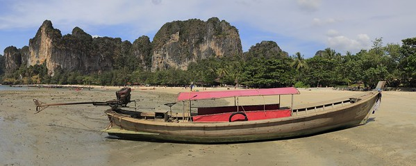 Long tail boat grounded at Het Rai Lah West