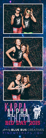 Celebrating with all of our new members on bid day!  Love this photo? Head to findmysnaps.com/Theta-2015 to order prints!  Looking for an awesome photo booth for your next event? Head to www.bluebuscreatives.com for more info!