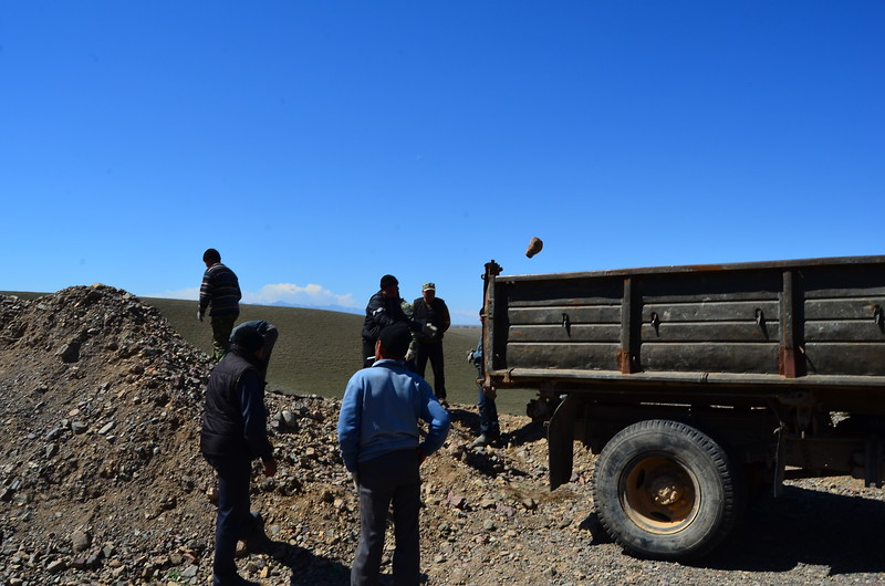I never did understand this Kazakh way of loading a truck