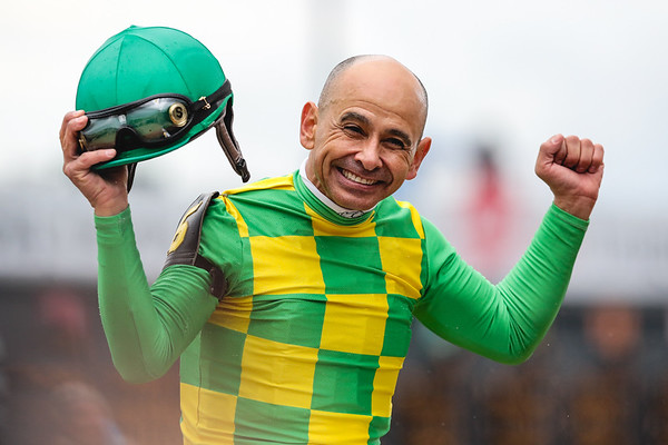 Mike Smith wins the 26th running of The American Turf aboard Arklow. Staff Photo By Josh Hicks