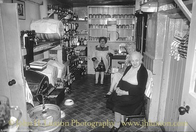 The Drewe Arms Inn, Drewsteignton, Devon circa 1984.
