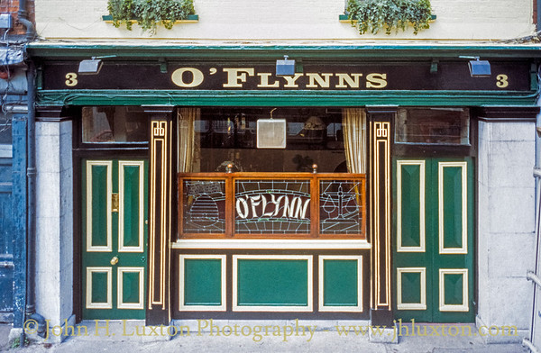 O'Flynn's Bar, Cork City, Ireland - May 28, 1998