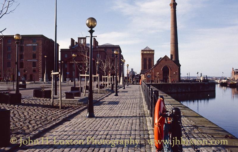 Albert Dock / Canning Dock Entrance - January 1989