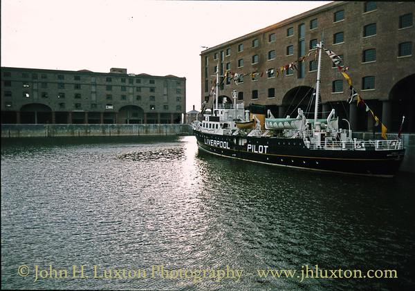 Pilot Cutter EDMUND GARDNER - Albert Dock - July 14, 1984