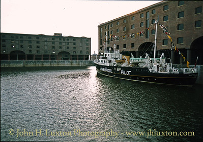Pilot Cutter EDMUND GARDNER - Albert Dock - July 14, 1984