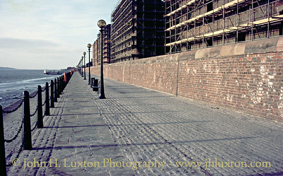 River Wall behind the Albert Dock - March 22, 1987