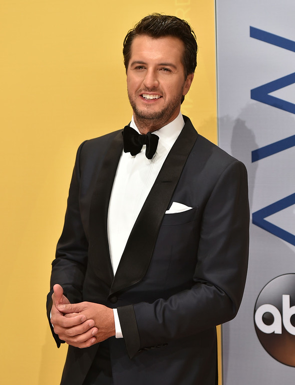 . Luke Bryan arrives at the 50th annual CMA Awards at the Bridgestone Arena on Wednesday, Nov. 2, 2016, in Nashville, Tenn. (Photo by Evan Agostini/Invision/AP)