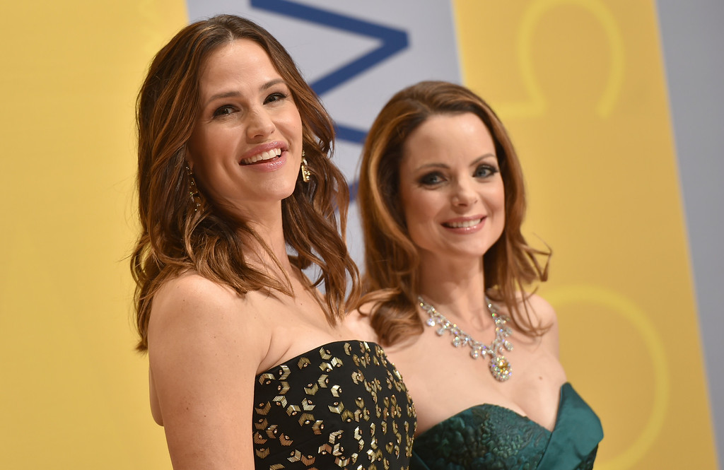 . Jennifer Garner, left, and Kimberly Williams-Paisley arrive at the 50th annual CMA Awards at the Bridgestone Arena on Wednesday, Nov. 2, 2016, in Nashville, Tenn. (Photo by Evan Agostini/Invision/AP)
