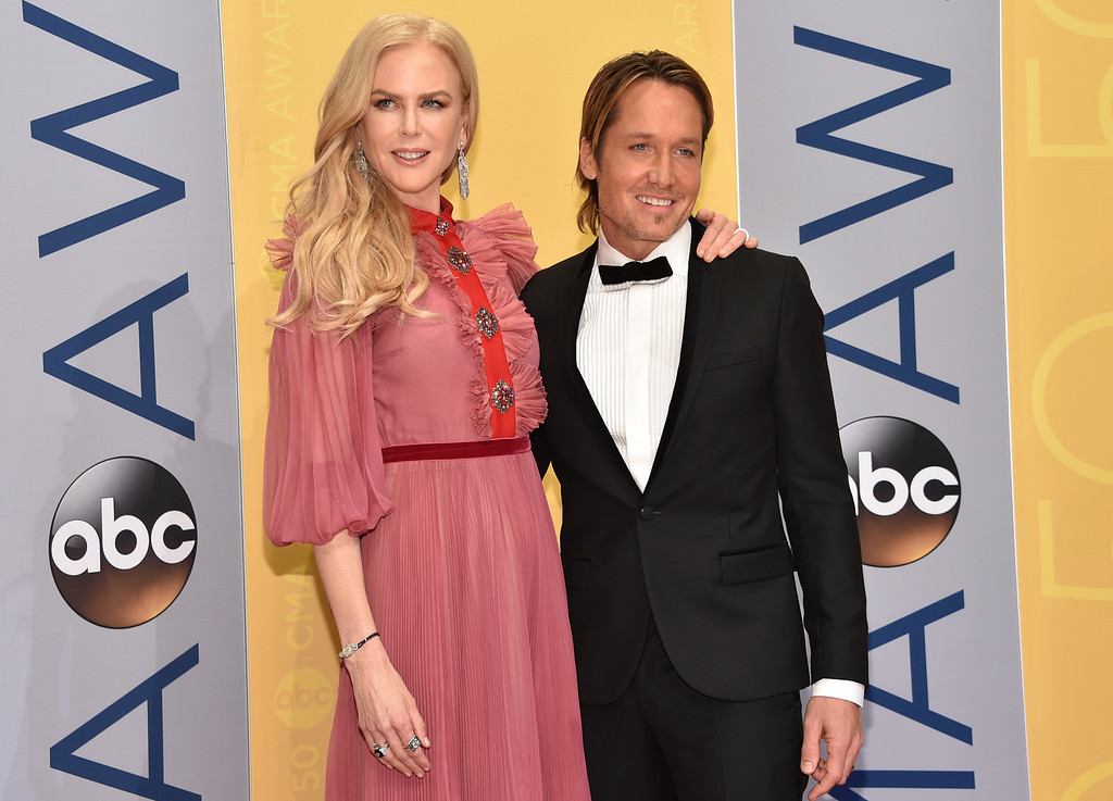 . Nicole Kidman, left, and Keith Urban arrive at the 50th annual CMA Awards at the Bridgestone Arena on Wednesday, Nov. 2, 2016, in Nashville, Tenn. (Photo by Evan Agostini/Invision/AP)