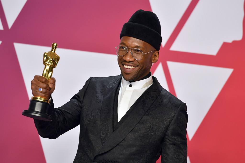 ". Mahershala Ali poses with the award for best performance by an actor in a supporting role for ""Green Book\"" in the press room at the Oscars on Sunday, Feb. 24, 2019, at the Dolby Theatre in Los Angeles. (Photo by Jordan Strauss/Invision/AP)"
