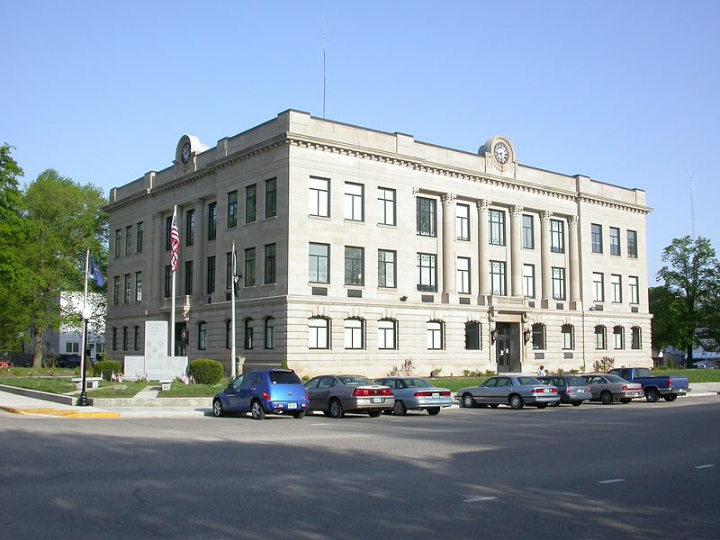 Vermillion County Courthouse, Newport, Indiana, April 2004.