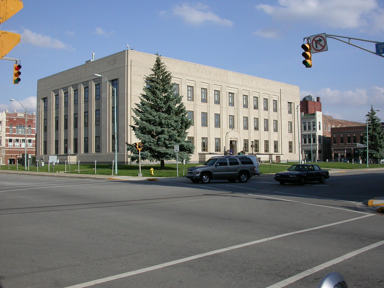 Howard County Courthouse, Kokomo, Indiana, May 2004.