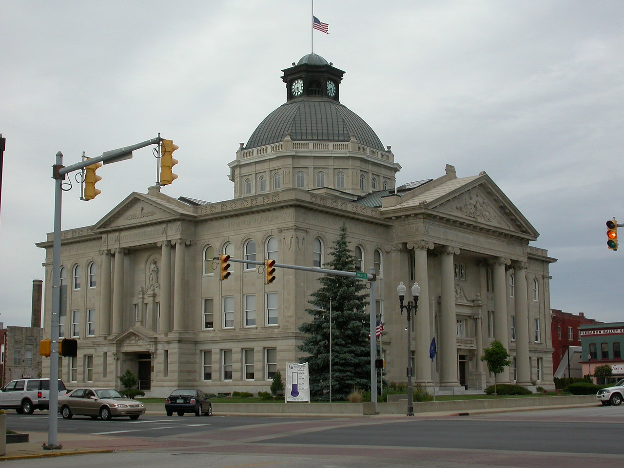 Boone County Courthouse, Lebanon, Indiana, June 2004.