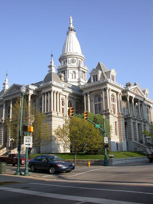Tippecanoe County Courthouse, Lafayette, Indiana, April 2004.