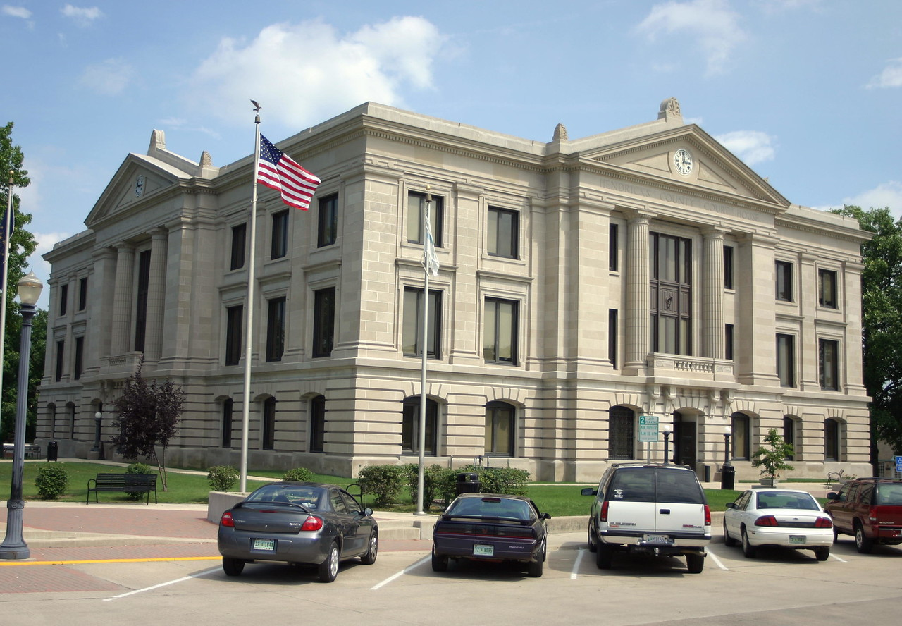 Hendricks County Courthouse, Danville, Indiana, July 2004.
