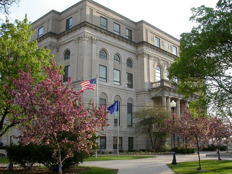 Porter County Courthouse, Valparaiso, Indiana, April 2004