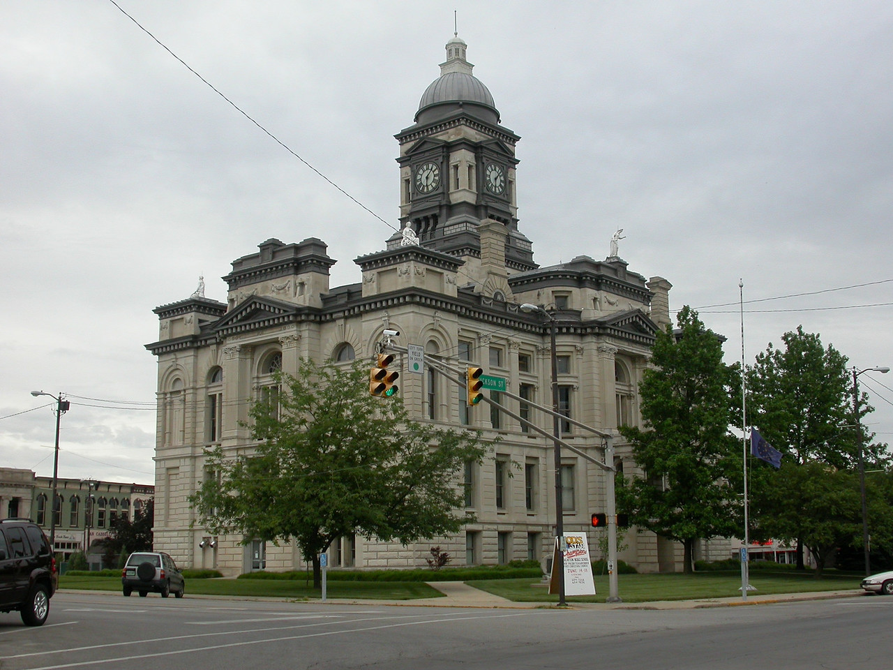 Clinton County Courthouse, Frankfort, Indiana, June 2004.