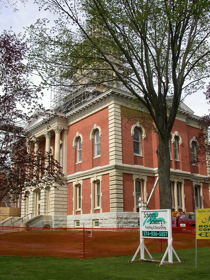 Marshall County Courthouse, Plymouth, Indiana, April 2004.