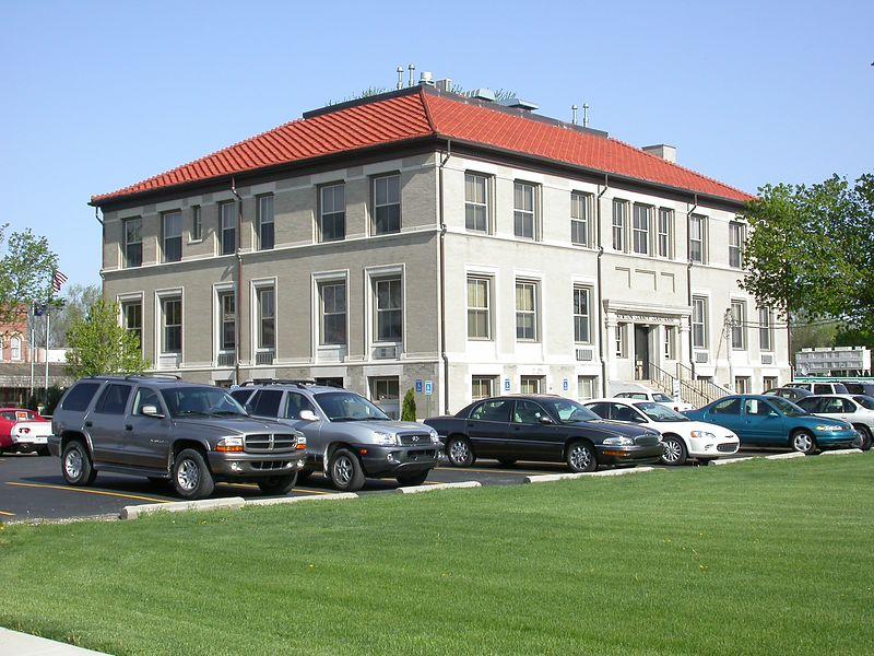 Newton County Courthouse, Kentland, Indiana, April 2004.