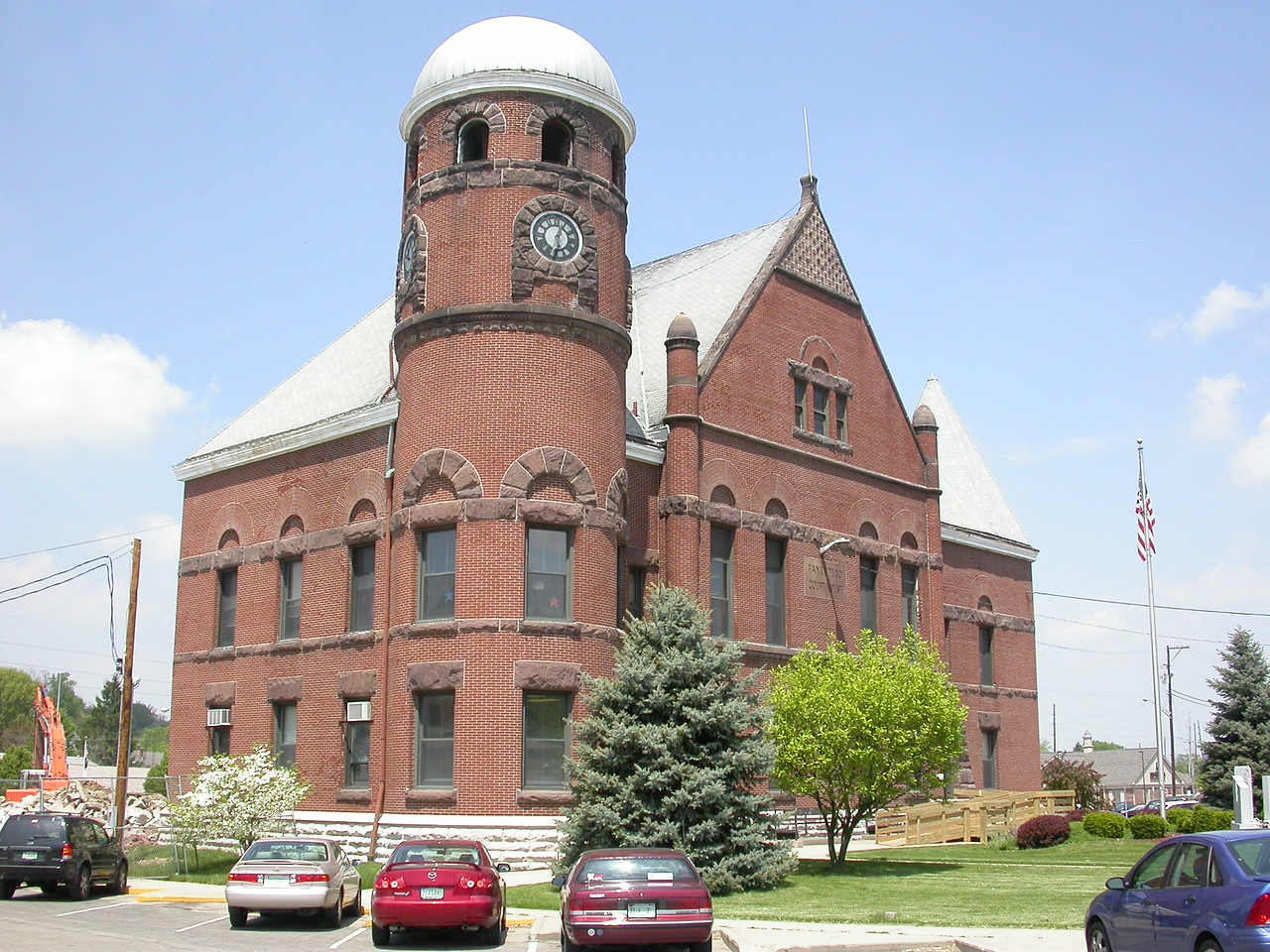 Fayette County Courthouse, Connersville, Indiana, May 2004.