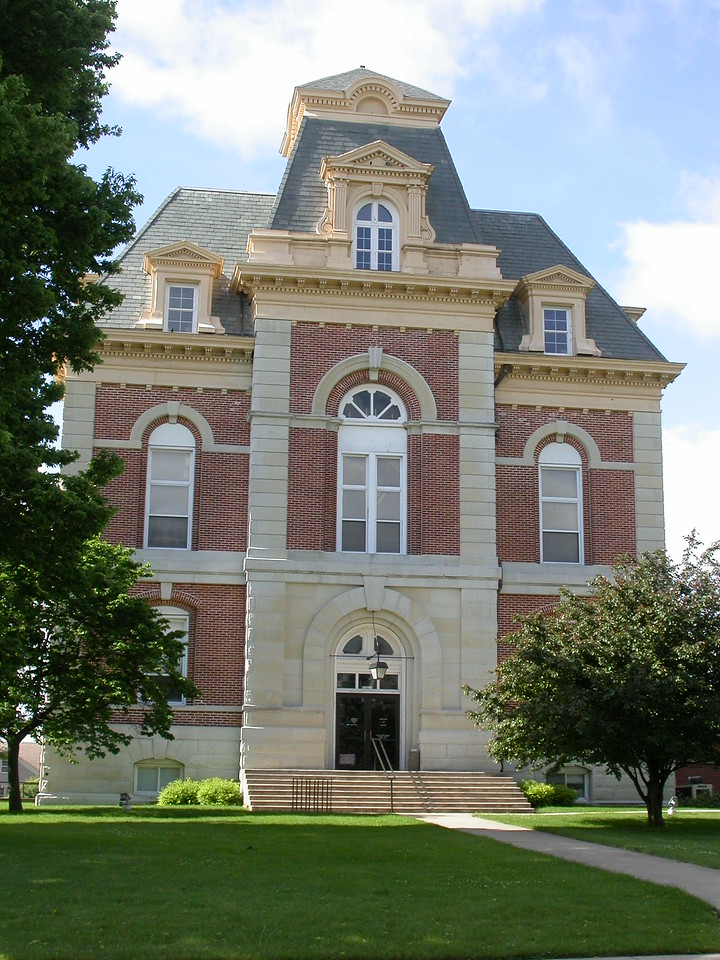 Benton County Courthouse, Fowler, Indiana, May 2004.