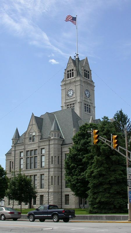 Jasper County Courthouse, Rensselaer, Indiana, May 2004.