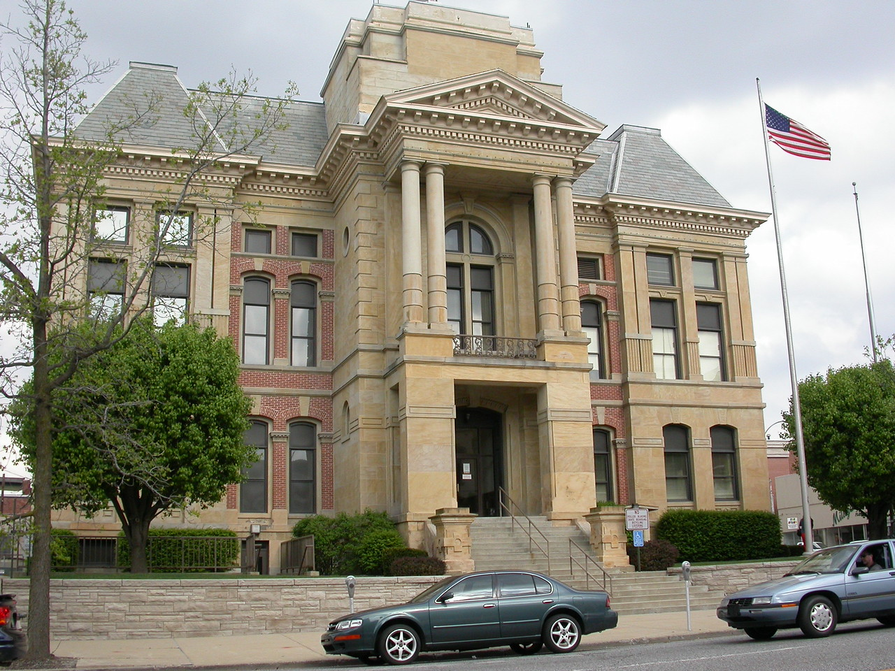 Montgomery County Courthouse, Crawfordsville, Indiana, April 2004.